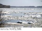 Ледоход на Волге. Стоковое фото, фотограф Анатолий Уткин / Фотобанк Лори