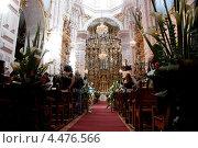 Купить «Свадьба в церкви. Мексика», фото № 4476566, снято 17 декабря 2011 г. (c) Ludenya Vera / Фотобанк Лори