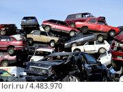 Купить «Автосвалка», фото № 4483970, снято 7 апреля 2013 г. (c) Владимир Кошарев / Фотобанк Лори