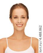 Купить «Девушка в белой майке на тонких лямках показывает свою красивую кожу», фото № 4488862, снято 16 сентября 2012 г. (c) Syda Productions / Фотобанк Лори