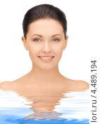 Купить «Портрет красивой молодой женщины, стоящей по плечи в голубой воде», фото № 4489194, снято 7 апреля 2012 г. (c) Syda Productions / Фотобанк Лори