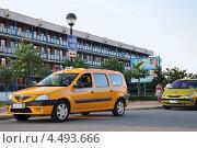 Купить «Такси в Болгарии», фото № 4493666, снято 28 июля 2010 г. (c) Голованов Сергей / Фотобанк Лори
