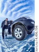 Автомобиль и водитель на льду Байкала. Стоковое фото, фотограф Serg Zastavkin / Фотобанк Лори