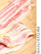 Грудинка свиная сырокопченая. Стоковое фото, фотограф Яна Королёва / Фотобанк Лори