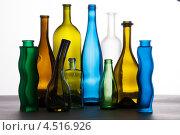Посуда из цветного стекла. Стоковое фото, фотограф Дмитрий Шульгин / Фотобанк Лори