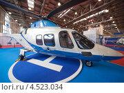 Купить «Вертолеты в павильоне на выставке», фото № 4523034, снято 21 мая 2011 г. (c) Losevsky Pavel / Фотобанк Лори