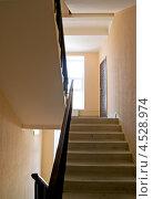 Купить «Лестница в подъезде многоэтажного дома», фото № 4528974, снято 25 февраля 2020 г. (c) Светлана Кузнецова / Фотобанк Лори