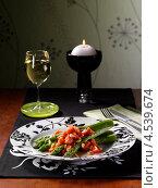 Купить «Овощной салат со спаржей», фото № 4539674, снято 21 октября 2018 г. (c) Food And Drink Photos / Фотобанк Лори