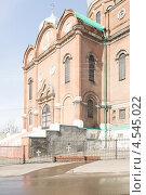 Вход в Боголюбский собор, Мичуринск (2013 год). Стоковое фото, фотограф Татьяна Фролова / Фотобанк Лори
