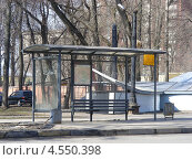 Автобусная остановка на улице Красноармейской , Москва (2013 год). Редакционное фото, фотограф lana1501 / Фотобанк Лори