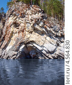Купить «Камень Печка на реке Чусовой», фото № 4564830, снято 2 мая 2010 г. (c) Евгений Ткачёв / Фотобанк Лори