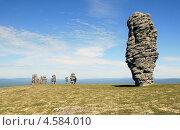 Столбы выветривания - болваны - на плато Мань-Пупунер в Коми, фото № 4584010, снято 18 августа 2012 г. (c) Алексей Дуэль / Фотобанк Лори