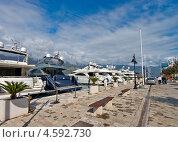 Купить «Пришвартованные яхты в марине города Будва, Черногория», эксклюзивное фото № 4592730, снято 9 апреля 2013 г. (c) Геннадий Соловьев / Фотобанк Лори