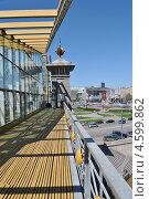 Купить «Мост Богдана Хмельницкого (Киевский пешеходный мост) расположен  рядом с Киевским вокзалом, Москва», эксклюзивное фото № 4599862, снято 7 мая 2013 г. (c) lana1501 / Фотобанк Лори