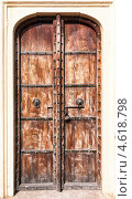 Купить «Старая резная деревянная дверь», фото № 4618798, снято 18 ноября 2012 г. (c) photoff / Фотобанк Лори
