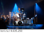 Купить «Майк Террана за барабанами. Шоу «Beauty and the Beat»», фото № 4635250, снято 15 мая 2013 г. (c) Донцов Евгений Викторович / Фотобанк Лори