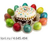 Пасхальный кулич с яйцами. Стоковое фото, фотограф Пётр Квашин / Фотобанк Лори
