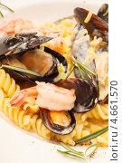 Итальянская паста с морепродуктами. Стоковое фото, фотограф Максим Шебеко / Фотобанк Лори