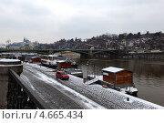 Купить «Мост через Влтаву в Праге, Чехия», фото № 4665434, снято 13 марта 2013 г. (c) Дмитрий Ковязин / Фотобанк Лори