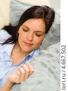 Купить «Девушка спит, положив голову на пушистые подушки», фото № 4667502, снято 28 марта 2013 г. (c) CandyBox Images / Фотобанк Лори