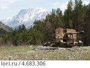 Купить «Противолавинная пушка в Приэльбрусье», фото № 4683306, снято 11 мая 2013 г. (c) Дмитрий Шульгин / Фотобанк Лори