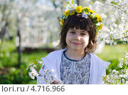Купить «Девочка в цветущем саду», фото № 4716966, снято 18 мая 2013 г. (c) Евгений Степанов / Фотобанк Лори