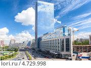 Купить «Высотная доминанта на площади Конституции. Санкт-Петербург», фото № 4729998, снято 30 мая 2013 г. (c) Кекяляйнен Андрей / Фотобанк Лори