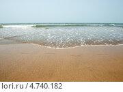 Купить «Набегающая морская волна», фото № 4740182, снято 25 марта 2013 г. (c) Александр Овчинников / Фотобанк Лори