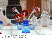 Купить «Экспонаты из центральной композиции в музее хрусталя (цветы) в Гусь-Хрустальном», фото № 4743210, снято 18 мая 2013 г. (c) Бабкина Марина / Фотобанк Лори