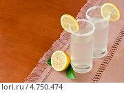 Купить «Два стакана с вкусным домашним лимонадом», фото № 4750474, снято 29 июля 2011 г. (c) Анастасия Мелешкина / Фотобанк Лори