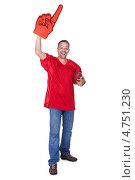 Купить «Радостный болельщик с мячом для регби и большой фанатской перчаткой с указательным пальцем», фото № 4751230, снято 28 октября 2012 г. (c) Андрей Попов / Фотобанк Лори