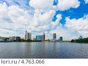 Вид на набережную Екатеринбурга (2013 год). Стоковое фото, фотограф Валерия Лузина / Фотобанк Лори