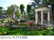 Купить «Ротонда в парке , курорт Геленджик», эксклюзивное фото № 4773846, снято 19 июня 2013 г. (c) Игорь Архипов / Фотобанк Лори