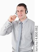 Купить «Изображение ассистента в наушниках», фото № 4800882, снято 22 сентября 2011 г. (c) Wavebreak Media / Фотобанк Лори