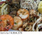 Королевская паэлья: морепродукты с рыбой и рисом (2009 год). Стоковое фото, фотограф Александр Элеазер / Фотобанк Лори