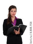 Купить «Бизнес-леди с документами», фото № 4808154, снято 22 апреля 2011 г. (c) Phovoir Images / Фотобанк Лори