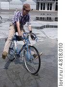 9 июня 2013 г. Парк «Сокольники». Первый в России «Исторический велопробег» Редакционное фото, фотограф виктор антонов / Фотобанк Лори