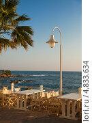 Купить «Кафе с видом на море. Крит, Греция», фото № 4833634, снято 18 июня 2013 г. (c) Elisanth / Фотобанк Лори