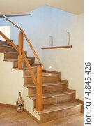 Лестница в доме. Стоковое фото, фотограф Владимир Ворона / Фотобанк Лори