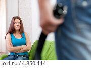 Купить «Супружеская пара во время ссоры», фото № 4850114, снято 21 октября 2012 г. (c) Яков Филимонов / Фотобанк Лори
