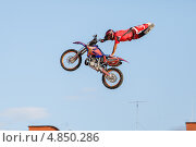 Мотоцикл летит (2013 год). Редакционное фото, фотограф Виталий Носков / Фотобанк Лори