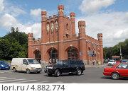 Купить «Калининград. Движение на перекрёстке.», эксклюзивное фото № 4882774, снято 22 июля 2013 г. (c) Svet / Фотобанк Лори