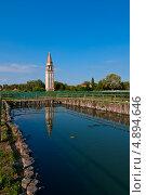 Купить «Виноградник Mazorbo и колокольня Святой Катерины, Бурано, Венеция», фото № 4894646, снято 21 сентября 2012 г. (c) Francesco Perre / Фотобанк Лори