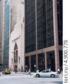 Церковь в даун-таун Чикаго, США (2013 год). Редакционное фото, фотограф Ekaterina Shustrova / Фотобанк Лори