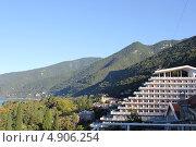 """Абхазия, город Гагра, вид на санаторий """"Чегем"""" (2012 год). Редакционное фото, фотограф Анна Самохина / Фотобанк Лори"""
