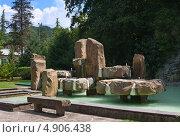 Купить «Мацеста - фонтан из сероводородной воды, Сочи», эксклюзивное фото № 4906438, снято 24 июня 2013 г. (c) Андрей Ижаковский / Фотобанк Лори