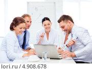 Купить «Совещание коллег в офисе», фото № 4908678, снято 9 июня 2013 г. (c) Syda Productions / Фотобанк Лори