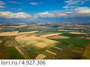 Купить «Сельское поле, вид сверху», фото № 4927306, снято 23 июля 2013 г. (c) Владимир Мельников / Фотобанк Лори