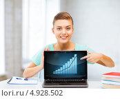 Купить «Молодая женщина с растущим графиком продаж», фото № 4928502, снято 1 июня 2013 г. (c) Syda Productions / Фотобанк Лори