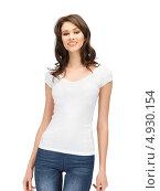 Купить «Юная девушка с распущенными волосами в джинсах на белом фоне», фото № 4930154, снято 9 мая 2012 г. (c) Syda Productions / Фотобанк Лори